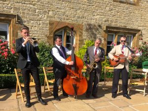 Burgundy Street Stompers - Trad Jazz Band outdoors