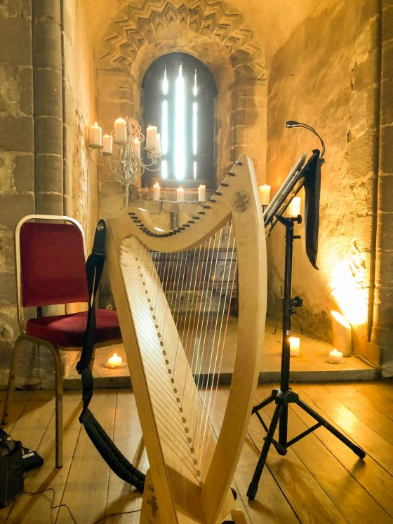 Small harp with candles