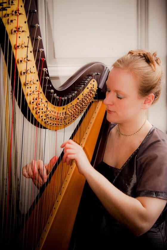Cambridge Harpist for Hire