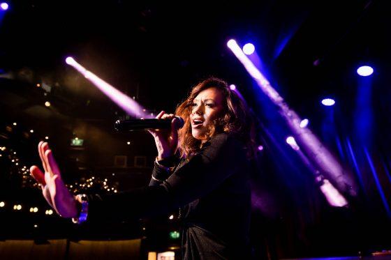groovelights singer live