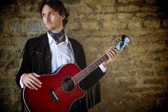 Pembroke Tenneson - Acoustic Singer
