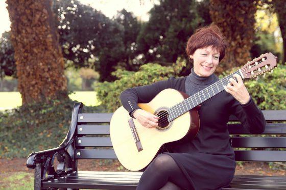 Rutland Classical Guitarist - Yvonne Bloor