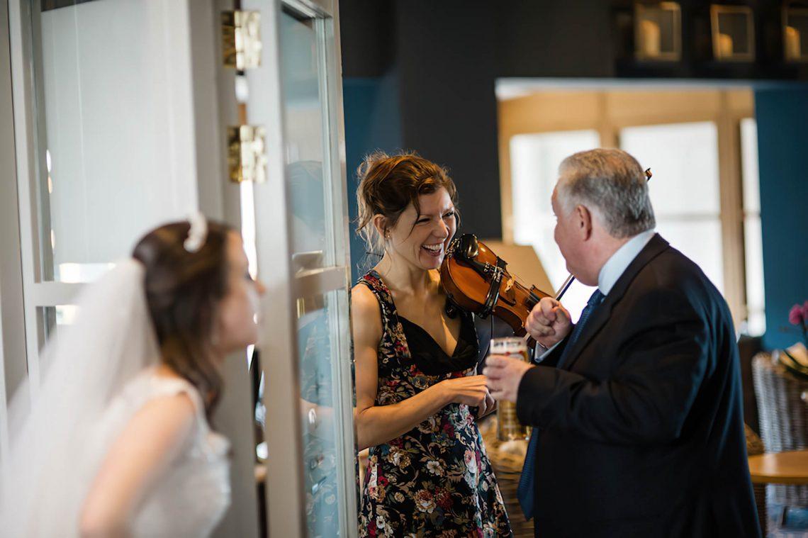 Violinist Liz for Hire